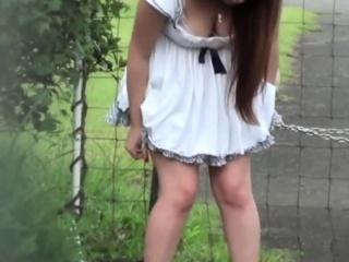 Japanese hottie urinating