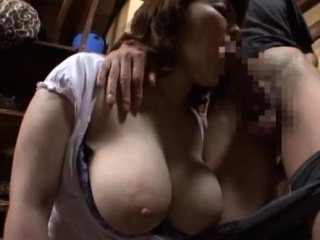 Older bitch gets her experienced wet crack played with