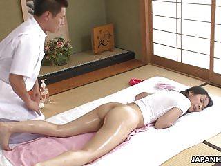 Juicy ass Asian slut getting fucked deeply