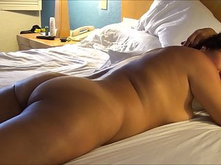 ASIAN WIFE BUTTOCKS PROVOCATION
