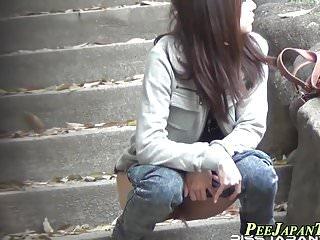 Japanese babes public pee